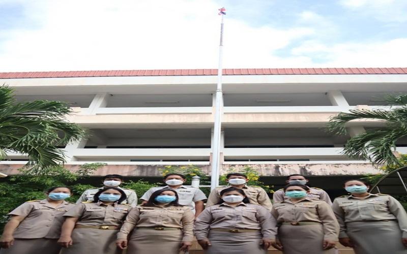 วิทยาลัยการอาชีพบ้านแพ้วได้จัดกิจกรรมเนื่องในวันพระราชทานธงชาติไทย 28 กันยายน ประจำปี 2564 ณ บริเวณหน้าเสาธง วิทยาลัยการอาชีพบ้านแพ้ว